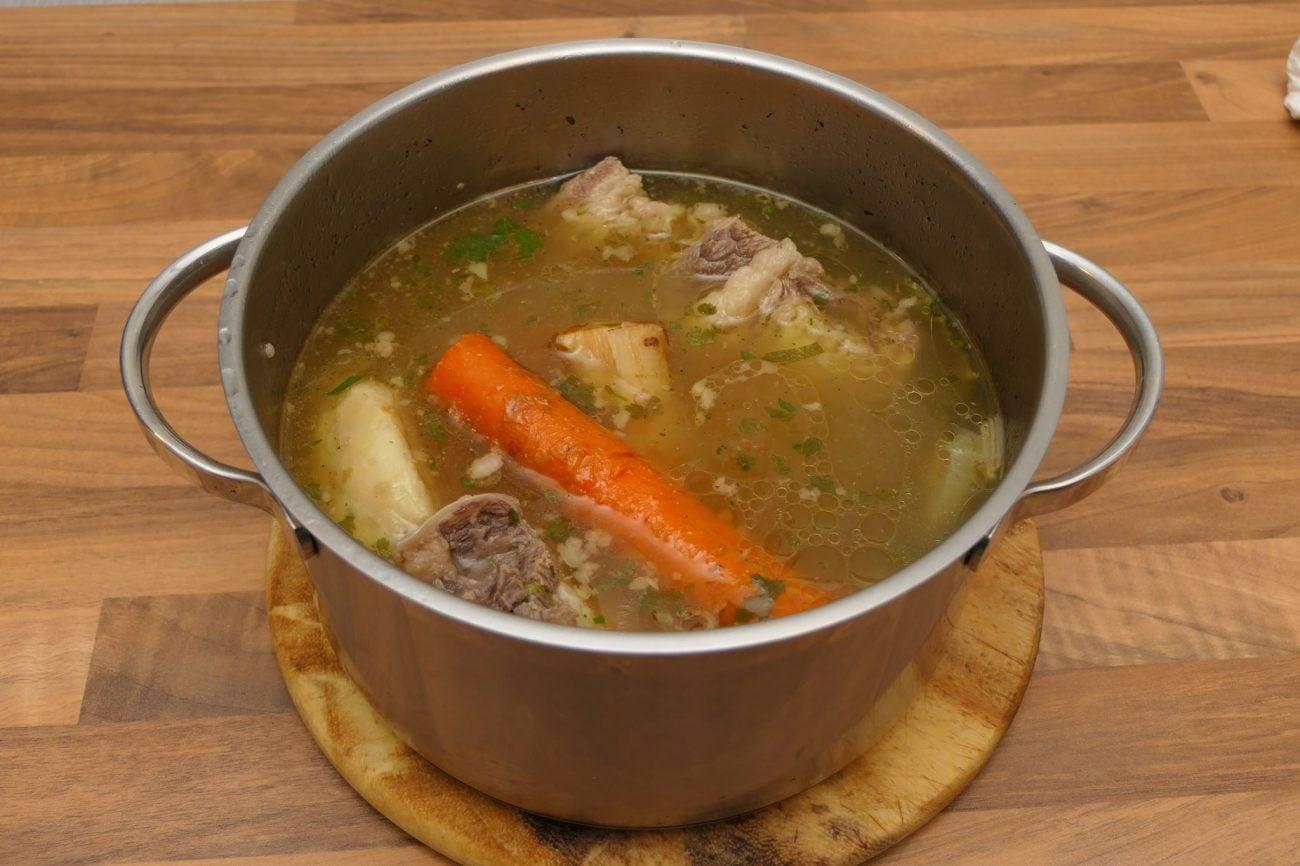 Brza domaća goveđa juha