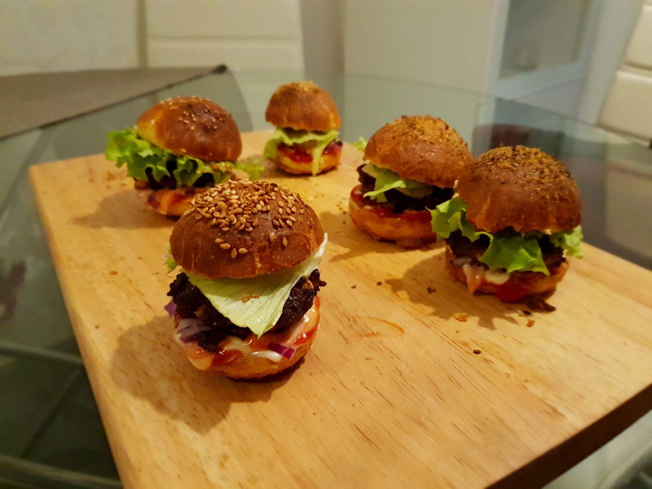 Domaći mini burgeri